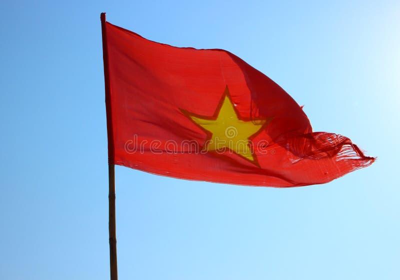 Wietnam chorągwiany trzepotać zdjęcia stock