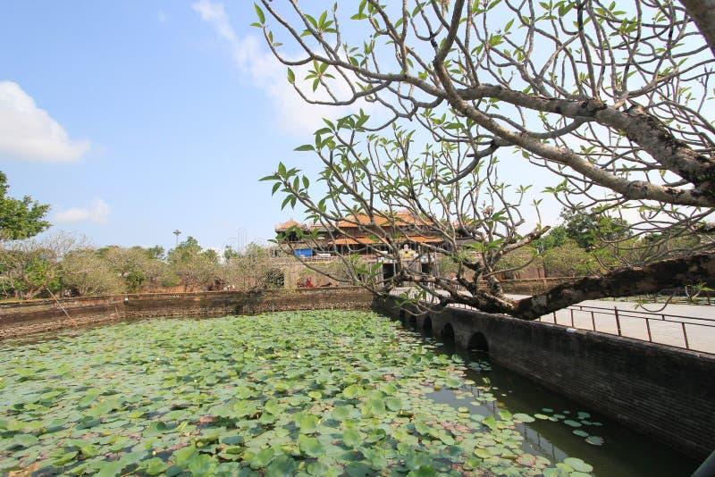 Wietnam Lang khai dinh grobowiec w odcieniu obraz royalty free