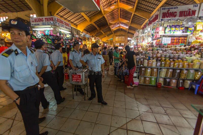 Wietnamczyk policja w Środkowym rynku fotografia stock