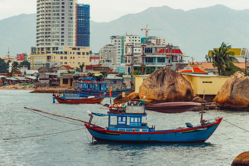 Wietnamscy połowów naczynia w Nha Trang obraz royalty free