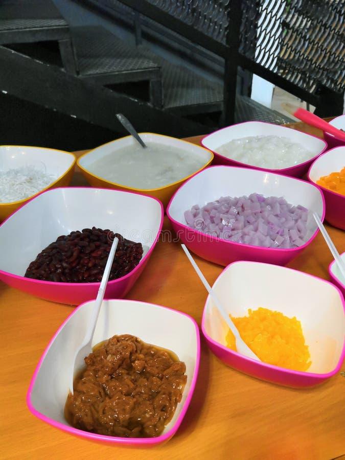 Wietnamski jedzenie dla Tet wakacje w wio?nie, ja jest tradycyjnym jedzeniem na ksi??ycowym nowym roku Wietnamski jedzenie barwią fotografia stock