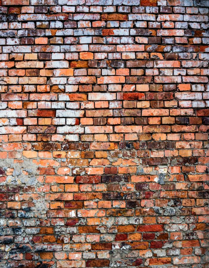 wietrzejąca tło ściana ceglana stara pobrudzona zdjęcie royalty free