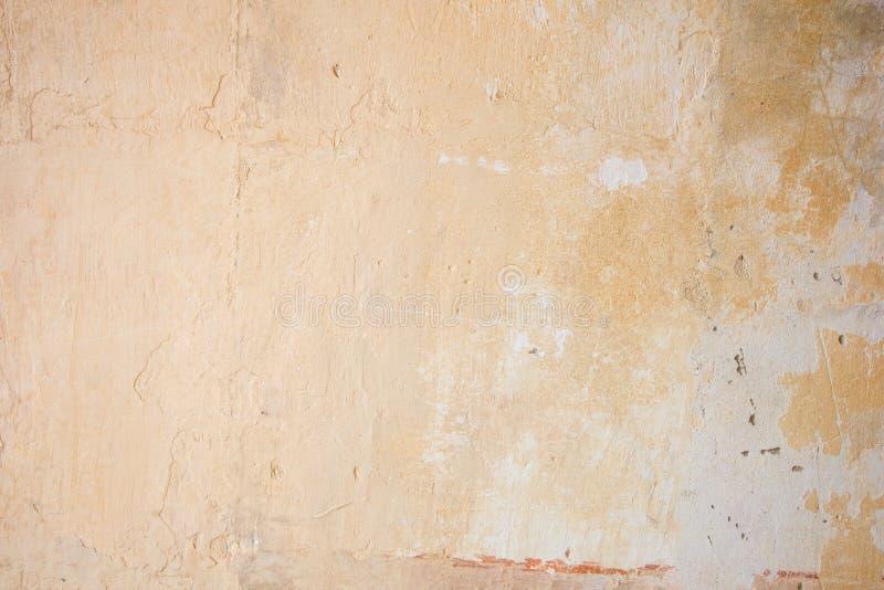 Wietrzejąca pomarańczowa betonowa ściana fotografia stock