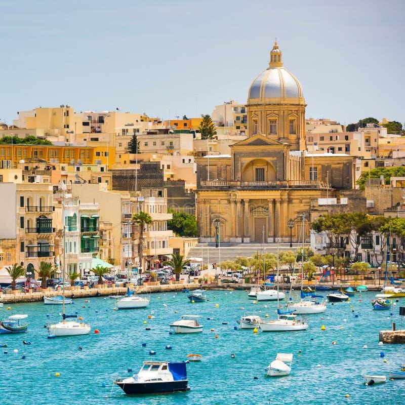 Wiev di piano sulla baia vicino a La Valletta immagine stock libera da diritti