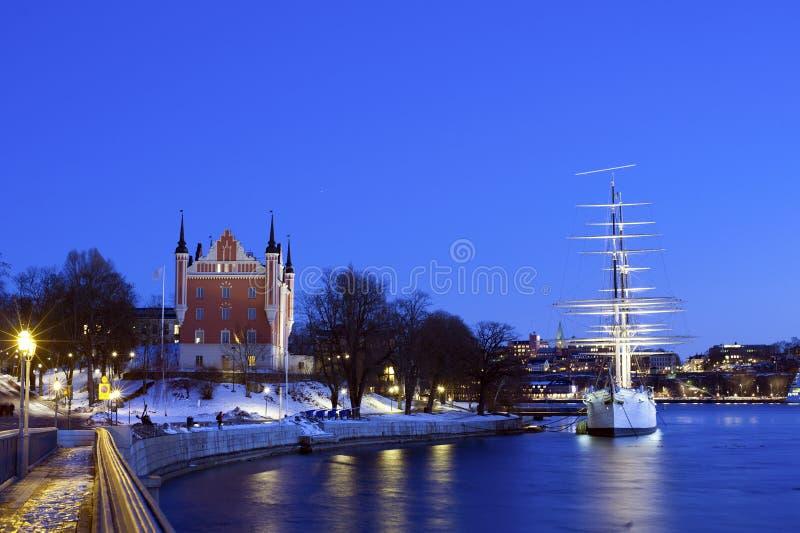 Wiev maravilloso de la noche del invierno de la casa y del af Ch del Ministerio de marina fotos de archivo libres de regalías