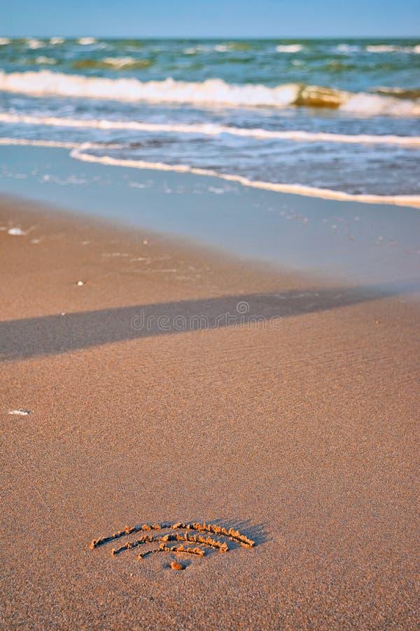 Wifi na praia imagem de stock royalty free