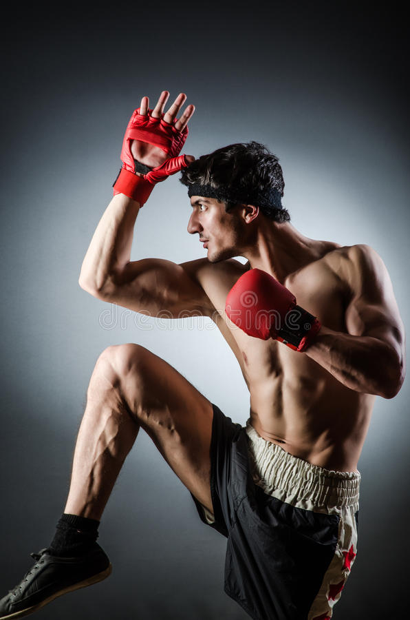 Download Wiith Muscular Del Boxeador Imagen de archivo - Imagen de músculos, bodybuilder: 41913025