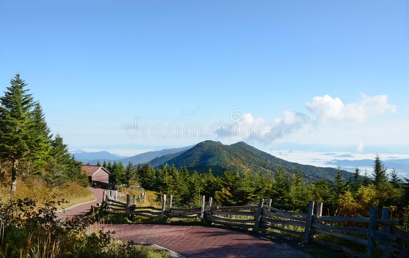 Wijąca droga przemian przez gór Góry Mitchell stanu park, Pólnocna Karolina, usa fotografia royalty free