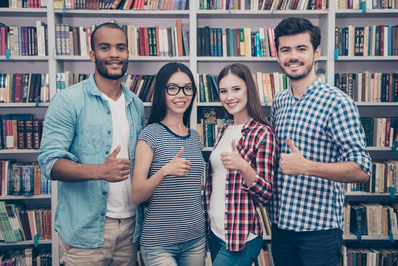 Wij houden van onderwijs! Succesvolle toekomst voor de slimme jeugd! Attra vier royalty-vrije stock afbeeldingen