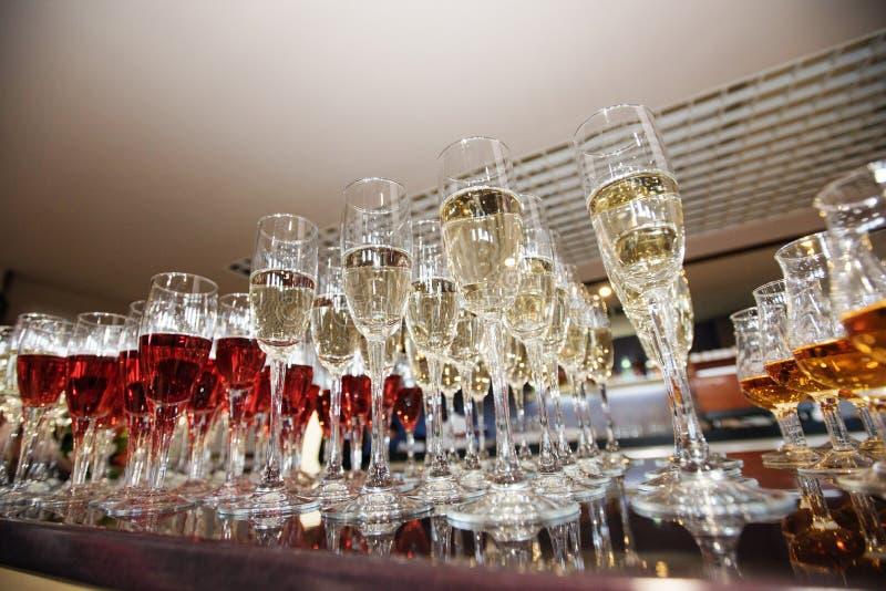 Wijn, champagne, cognacglazen royalty-vrije stock foto's