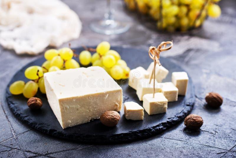Wijn, druif en kaas stock afbeelding