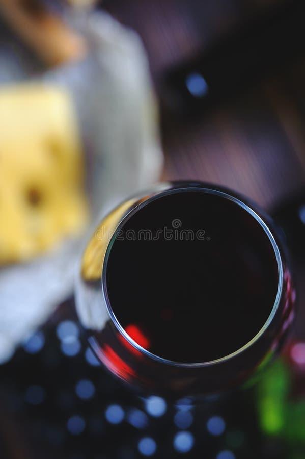 Wijn en kaasruimte aan exemplaar stock fotografie