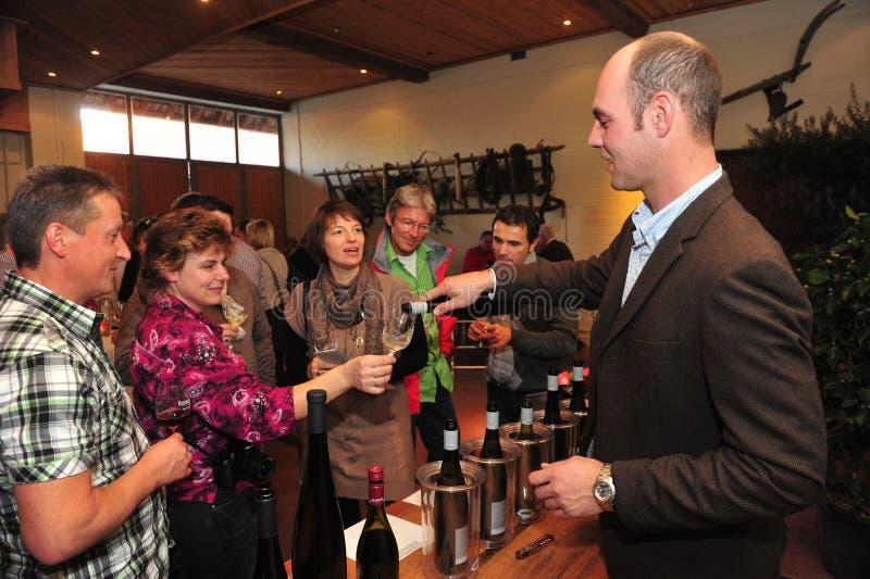 Wijn het proeven met winemaker royalty-vrije stock foto's