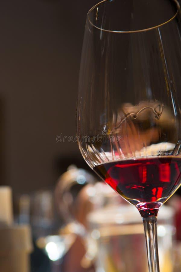 Wijn het proeven, wijnmakerij Donnafugata, Marsala, Sicilië, Itlay, 28 Mei royalty-vrije stock foto