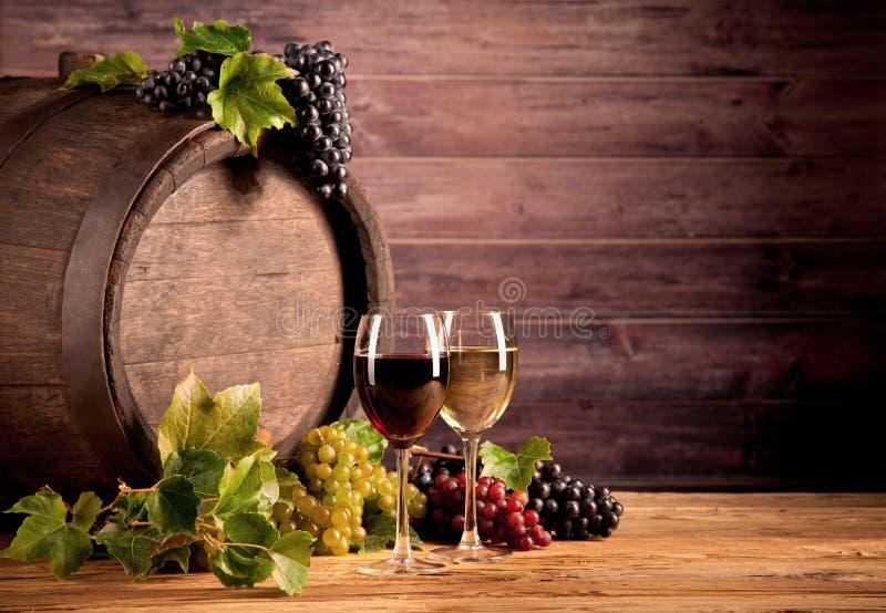 Wijn met vaatje stock afbeeldingen