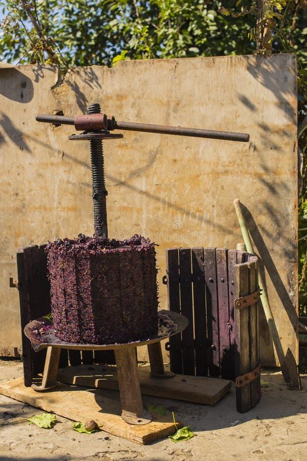 Wijnbereiding Technologie van wijnproductie stock foto