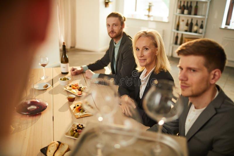 Wijndeskundigen stock fotografie