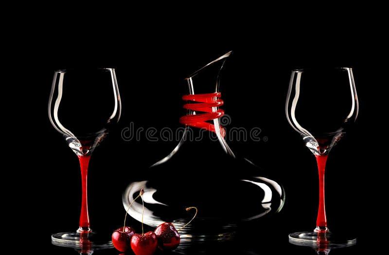 Wijnglazen en fles royalty-vrije stock afbeelding
