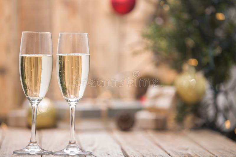 Wijnglazen voor een Kerstboom royalty-vrije stock afbeeldingen