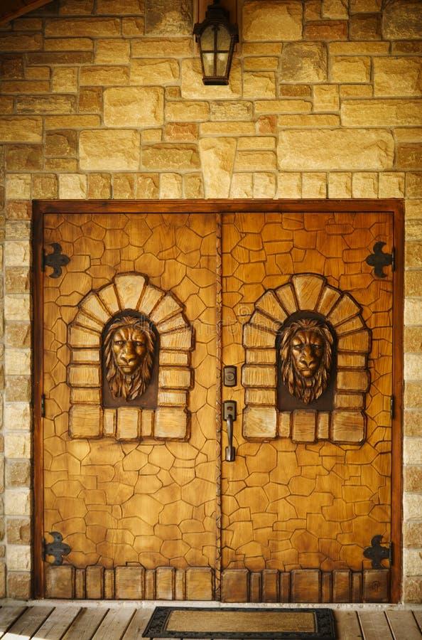 Wijnmakerij` s deur in Newmarket, Canada stock afbeelding