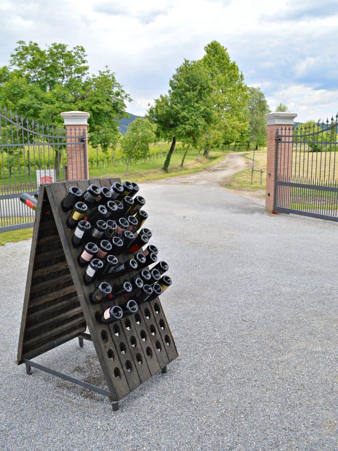 Wijnmakerijingang stock afbeeldingen