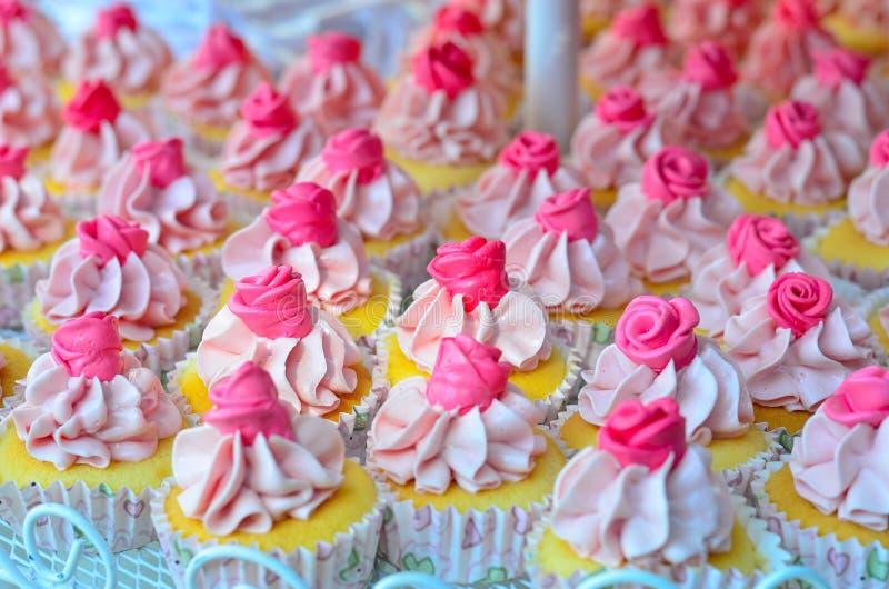 Wijnoogst cupcakes stock afbeeldingen