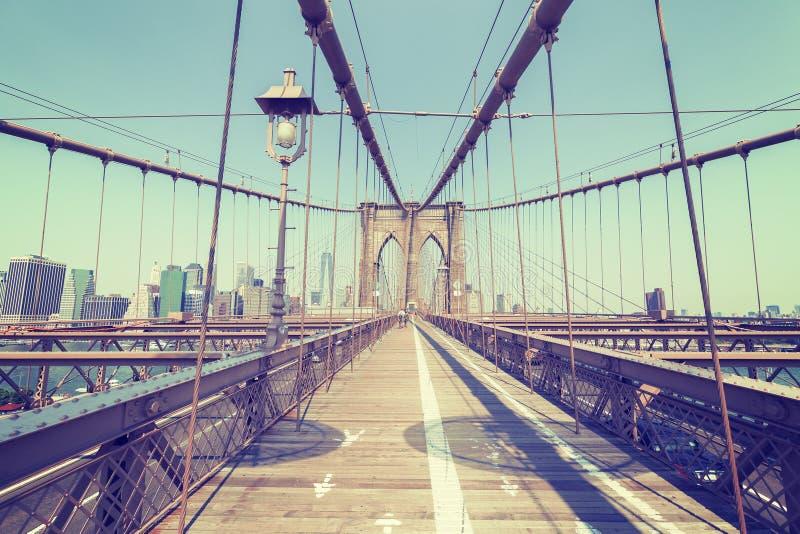Wijnoogst gestileerde foto van de Brug van Brooklyn, NYC royalty-vrije stock afbeeldingen
