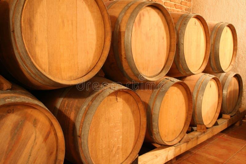 Wijnvatten stock foto