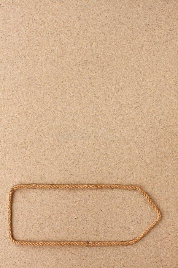 Wijzer van kabel op het zand wordt gemaakt dat Met ruimte voor ontwerp, tekstplaats royalty-vrije stock fotografie