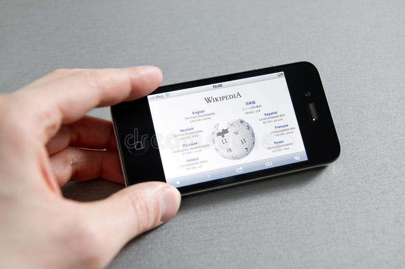 Wikipedia Page on Apple iPhone royalty free stock photo