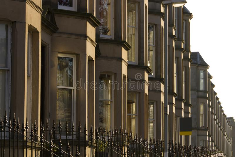 Wiktoriańscy kolonia domy robić piaskowiec w Edynburg, Szkocja obraz royalty free