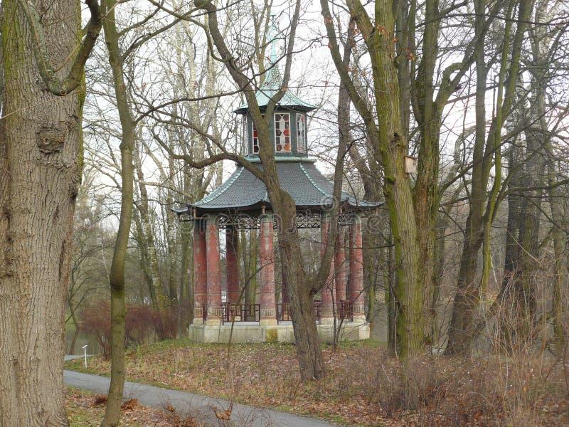 Download Wilanow Royal Palace, Warszawski Polska - Chiński Arbour Obraz Stock - Obraz złożonej z warsaw, park: 106923413