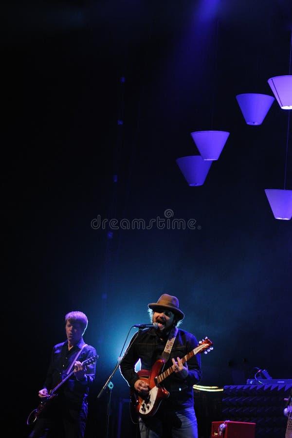 Wilco musikbandet utför på Gran Teatre del Liceu royaltyfri foto