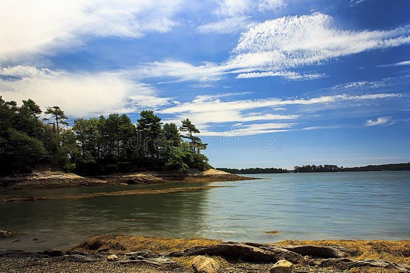 Wilczy szyja stanu park z lesistą wyspy sceną zdjęcia stock