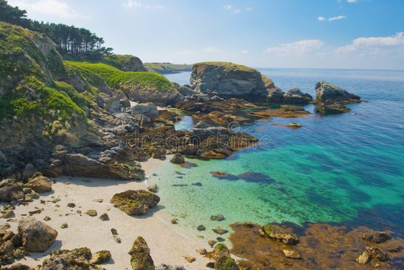 Wild strand in het eiland Belle Ile Engelse Mer stock afbeelding