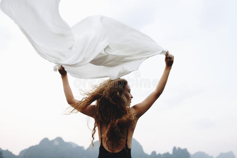 Wild und geben Sie wie der Wind frei lizenzfreie stockbilder