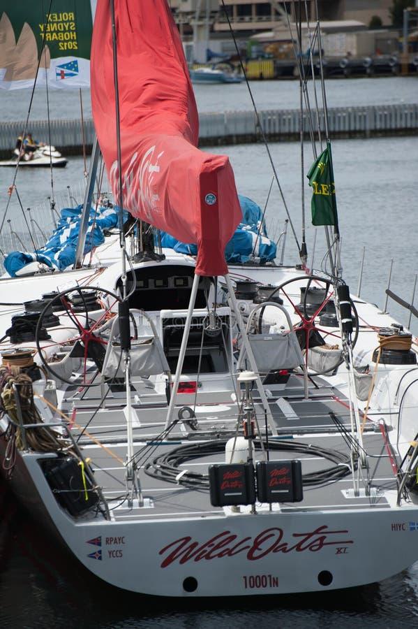 Wilde Haver XI 11 verslag brekende winst in Sydney aan Hobart Yacht Race - overzicht maxi, dek en achtersteven van erachter stock afbeeldingen