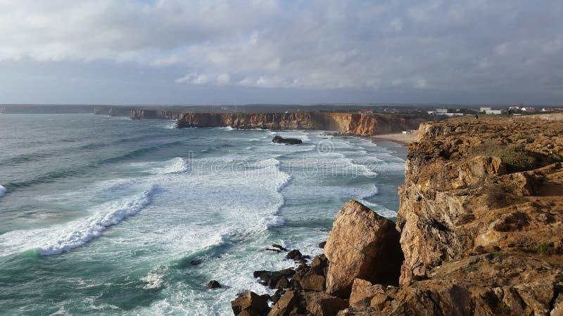 wilde Küste Portugals lizenzfreie stockfotos