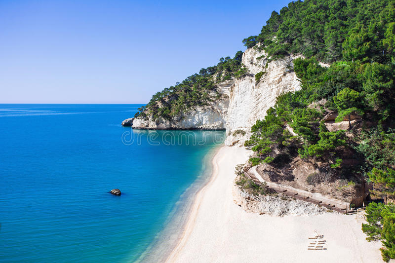 Wilder Strand im delle Gargano Baia Zagare-Strand, Italien lizenzfreies stockfoto