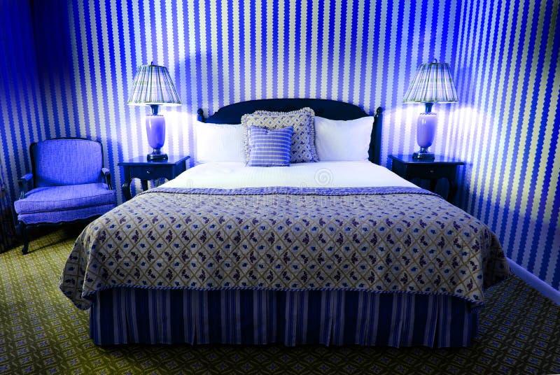 Wildes blaues schlafzimmer stockfoto bild von m bel 18899664 - Blaues schlafzimmer ...
