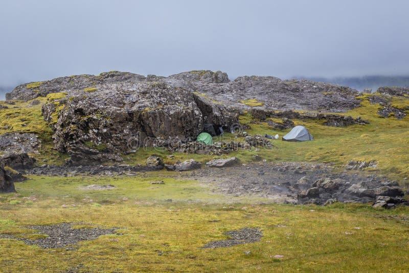 Wildes Kampieren in Island lizenzfreie stockfotografie