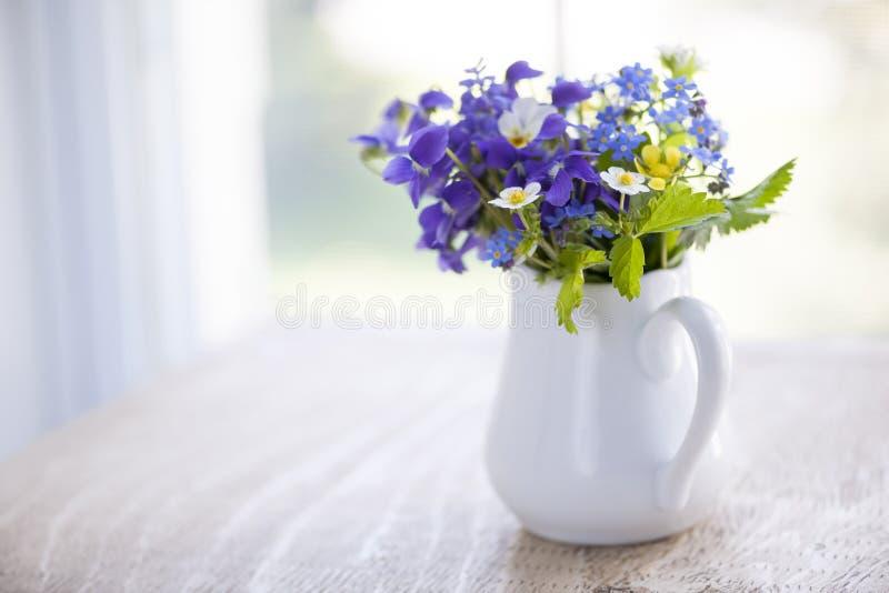 Wildflowerblumenstrauß stockbild