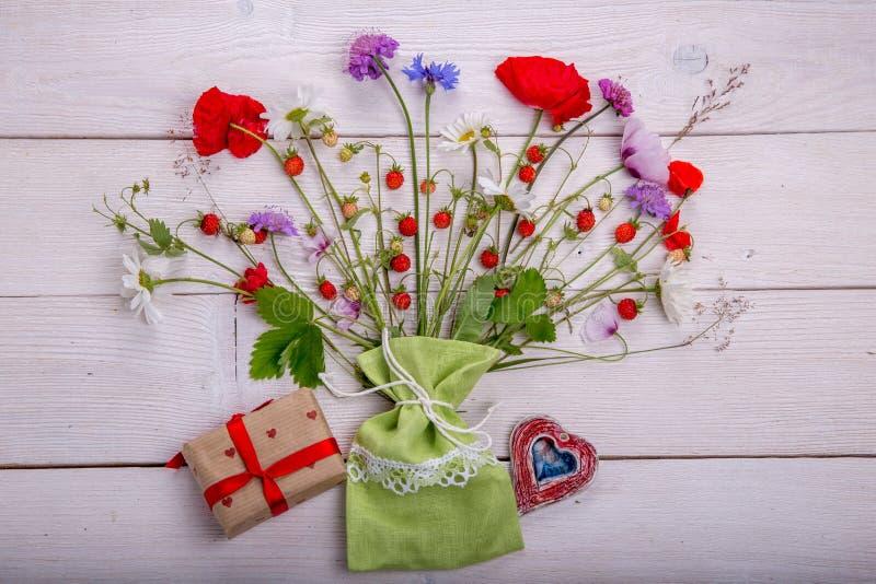 Wildflowers - maczek, chamomile, chabrowy, scabiosis obraz royalty free