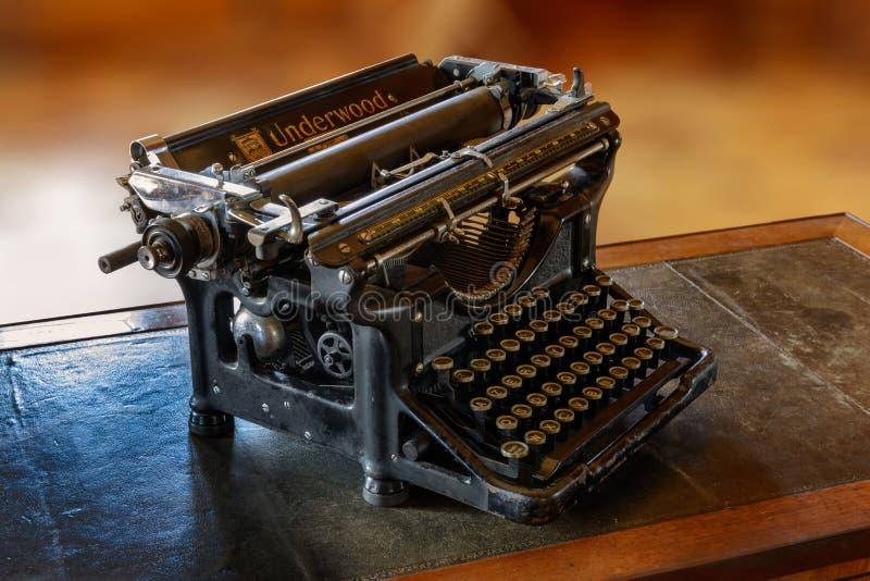 Willa Arnaga: Edmond Rostand maszyna do pisania obrazy royalty free