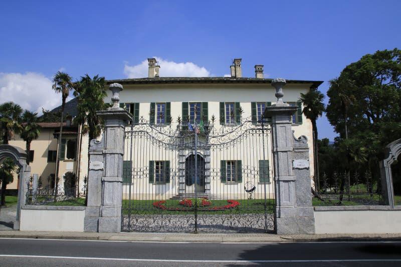 Willa Camilla, rząd lokalny i urząd miasta z parkiem w Domaso, obraz royalty free