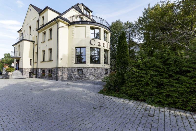 Willa Carlton en Zakopane en Polonia foto de archivo libre de regalías