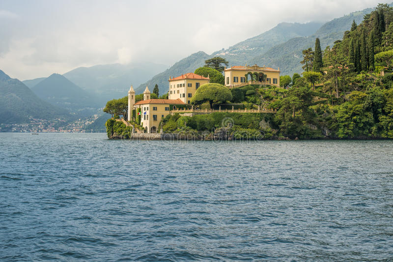 Willa Del Balbianello widzieć od wody, Jeziorny Como, Włochy, Eur fotografia royalty free