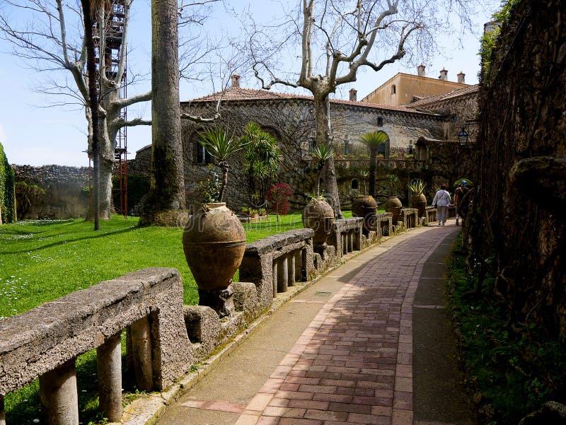 Willa i ogródu wejście w Historycznym miasteczku Ravello w górach w Południowym Włochy zdjęcie royalty free