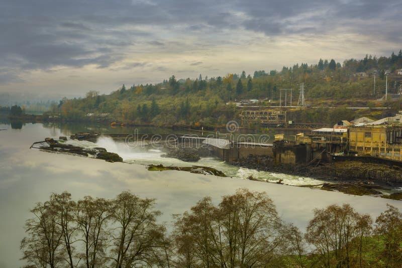 Willamette faller i den Oregon staden USA royaltyfria foton