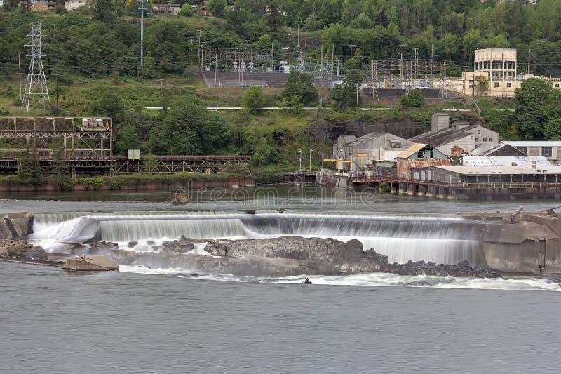 Willamette nedgångar i den Oregon staden arkivfoto